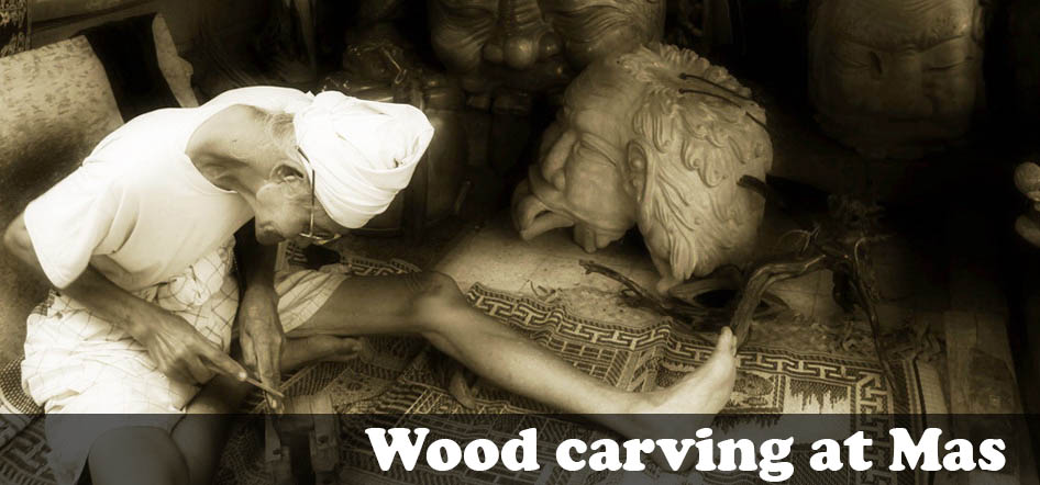 Wood carving at Mas